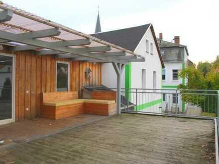 Ruhiges Hinterhaus - große Terrasse - schicke Holzbalken!
