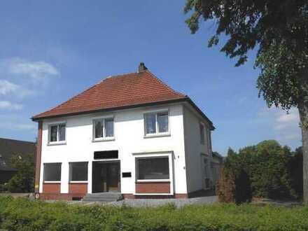 Großes Haus mit Potential ! Wohnhaus mit Gewerbeeinheit in 49536 Lienen