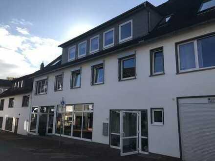 Großzügige 4 Zimmer Wohnung, Küche, Bad, Innenstadt Stadtoldendorf