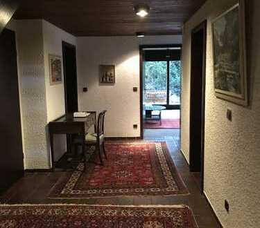 Zwei wunderschöne möblierte Einliegerzimmer in zentrumsnahe, ruhige Aussichtslage in Weil der Stadt