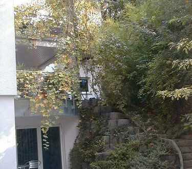 Hochwertige, möblierte 2,5-Zi.-EG-Wohnung mit Terrasse, Einbauküche + Parkplatz in Karlsruhe-Durlach