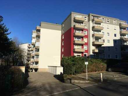 Modernisierte 4,5-Zimmer-Hochparterre-Wohnung mit Balkon und Einbauküche in Bochum-Höntrop