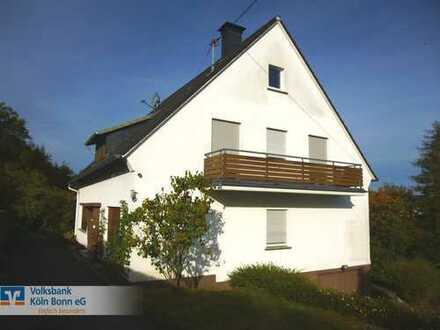 Wiehl-Bielstein - Freistehendes Ein- / Zweifamilienhaus mit Einliegerwohnung und herrlichem Ausblick