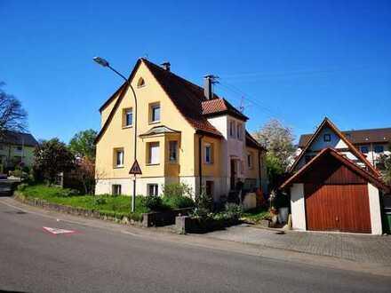 Schönes Zweifamilien Haus in top Lage, Erdmannhausen