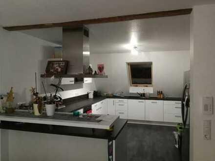 Neuwertige 5-Zimmer-Dachgeschosswohnung über 2 Etagen in Rosenfeld