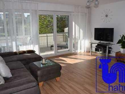 Neuwertige, sehr schöne 3-Zimmer-Wohnung in zentraler Lage von Eningen