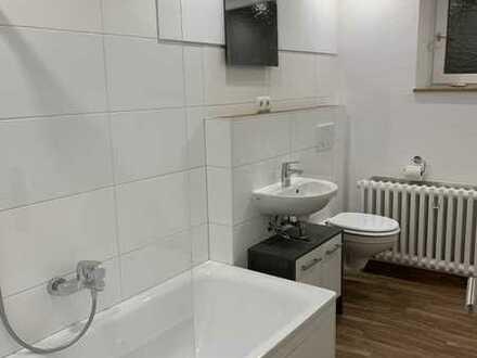 Erstbezug nach Sanierung mit Einbauküche und Balkon: attraktive 5-Zimmer-Wohnung in Thüngersheim