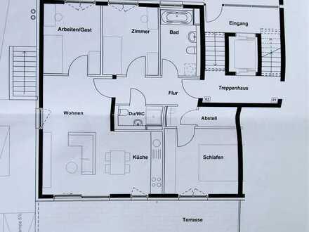 Helle 4,5 Zimmer Wohnung mit großer Terasse
