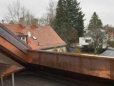 LUXUS PUR - Frei werdendes, komplett saniertes Stadthaus über 2 Etagen mit Dachterrasse