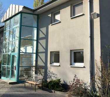 Bürohaus mit 2000 m² Freifläche - Spandau