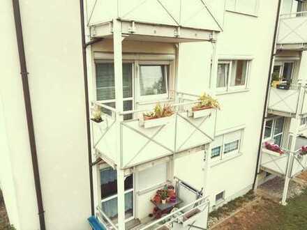 Top renovierte 3ZM-Wohnung mit Stellplatz, Balkon und Einbauküche (ohne Makler)