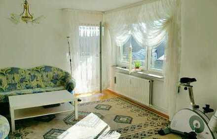 Großzügige 3 Zimmer Wohnung mit Balkon in Aussichtslage