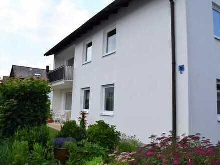 Aparte, großzügige 3 Zimmer Wohnung mit Balkon, Gartenanteil, neue EBK, Parkettboden, ruhige Lage