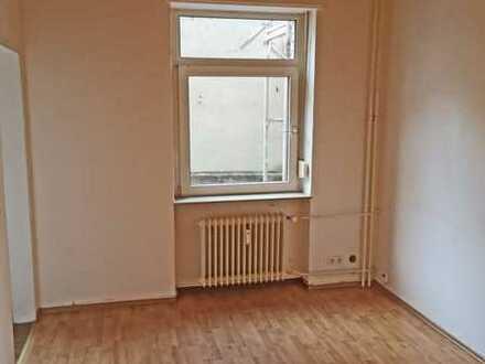 3790 - Gemütliche Altbauwohnung in guter Oststadtlage - Nähe KIT!