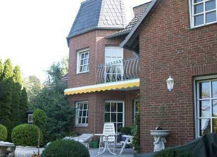Apartes Einfamilienhaus auf sonnigem Grundstück
