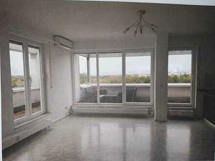Exklusive und gepflegte 2-Zimmer-Penthouse-Wohnung mit Panorama-Ausblick und EBK in Karlsruhe
