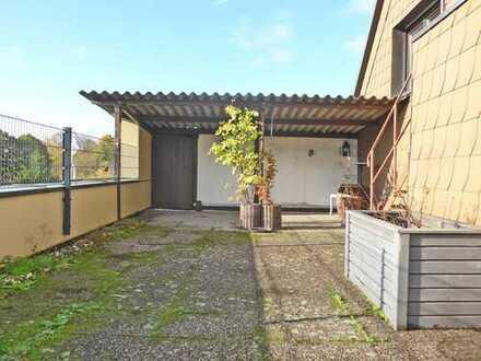 5991 - Gemütliche 4-Zimmerwohnung im 2FH mit EBK und herrlicher Dachterrasse!