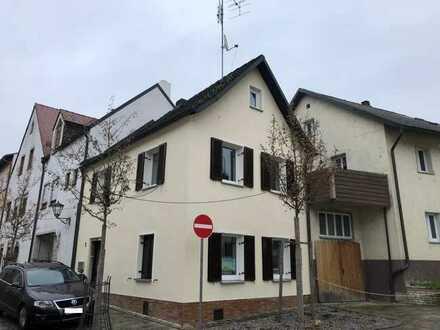 Klein und fein: Single-/Pärchen-ideal: Neu renoviertes Häuschen in der Altstadt,in ruhiger Eck-Lage