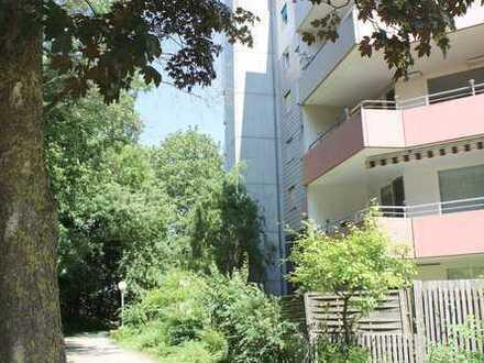 Großzügige 4.5 Zimmer Wohnung in ruhiger und absolut begehrter Lage in der Ulmer Oststadt …