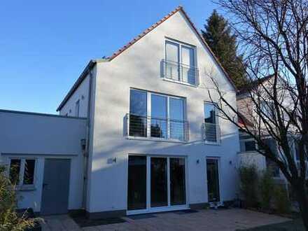 Modernes helles Haus - Neubau - mit fünf Zimmern in München, Solln