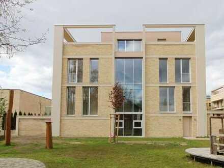 Vornehmes Einfamilienhaus in Top-Lage von Potsdam am Heiligensee