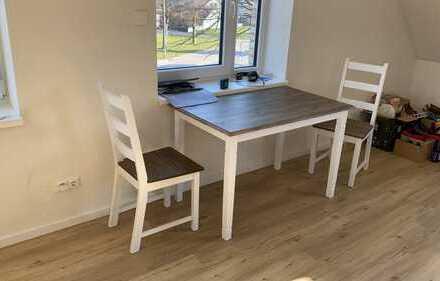 Exklusive 2,5-Zimmer-DG-Wohnung mit Balkon und Einbauküche in Eckernförde