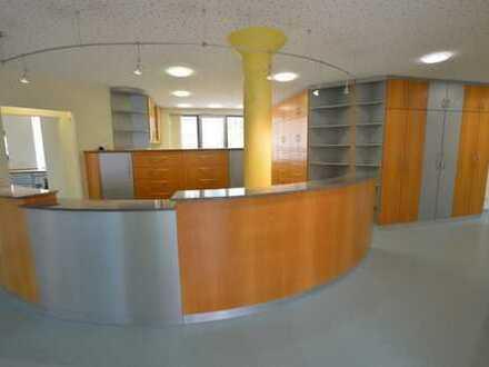 Großzügige Büro-/Praxisräume in Stadtmitte