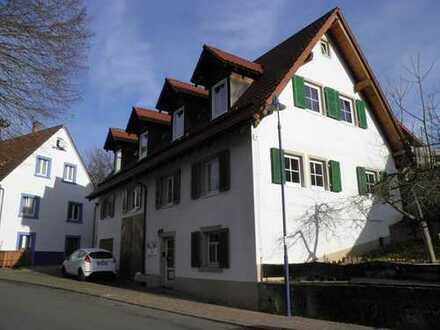Gemütliche 5- Zimmer mit Doppelhaus Charme im Landhausstil - Interessanter Schnitt