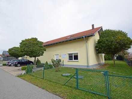 Vermietete Gewerbehalle mit Bürofläche in Ingenried
