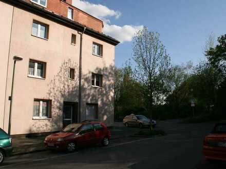 Gepflegte 3-Zimmer-DG-Wohnung mit Balkon in Bochum