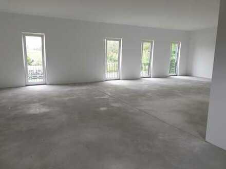 NEUBAU direkt an der AVUS: attraktive Büroflächen
