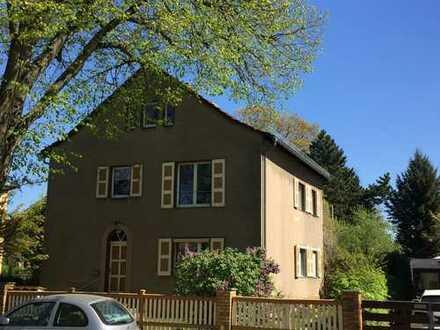 Helle Gartenwohnung in Lichterfelder 2-Familienhaus
