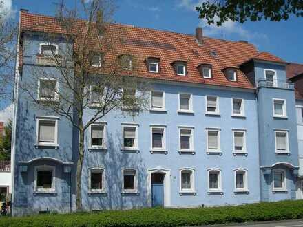 KL-Nähe City - Ideal zur Nutzung als WG: Schöne Dachgeschosswohnung mit 4 Zimmern, Küche, Bad