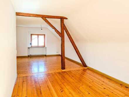 Günstige 2-Zimmer-Wohnung mit Balkon und EBK in Contwig