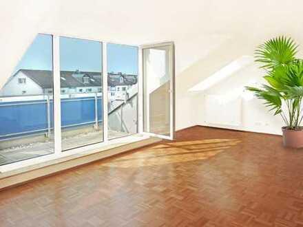 Frankfurt-Eschersheim: Etwas ganz Besonderes - ruhige 2 Zimmer DG-Wohnung mit herrlicher Loggia