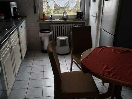 Gepflegte Wohnung mit vier Zimmern und Balkon in Diepholz