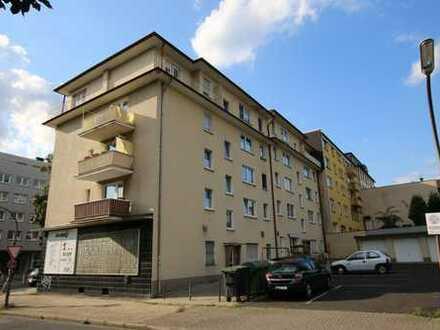 Frisch renovierte Wohnung mit zwei Balkone im Zentrum von Bochum- Wattenscheid!