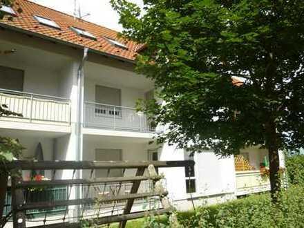 Geräumige 2-Zimmer-EG-Wohnung mit großem Balkon und 2 Tiefgaragenplätzen
