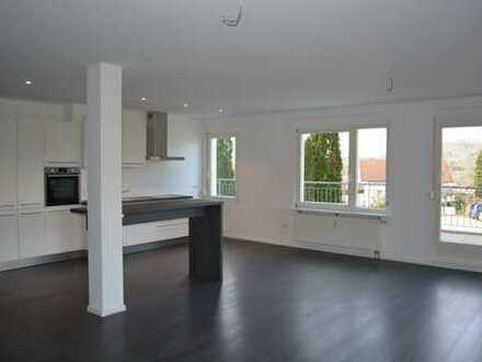 Zum Verkauf: lichtdurchflutete und großzügige 2,5 Zimmer-Wohnung mit großer Terrasse in Sölden!