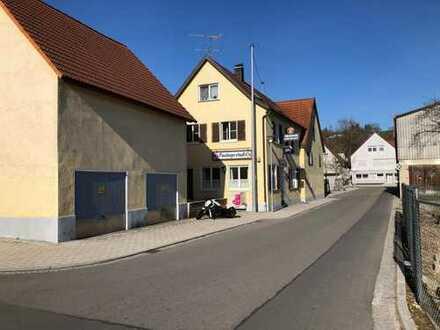 Wohn- und Geschäftshaus mit Scheune
