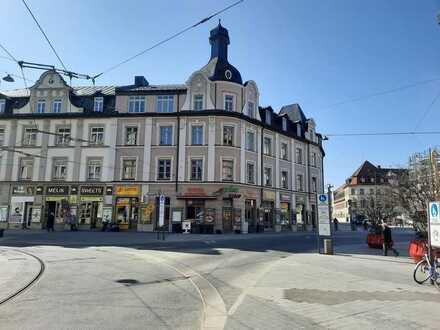 **Sanierte**Traumhafte 3-Zimmer-Altbauwohnung direkt am Marienplatz Pasing