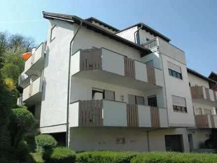Große 3,5-Zimmer-Wohnung in ruhiger Lage. Zwei Balkone & EBK & Tageslichtbad.