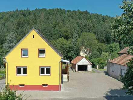 Romantisches Einfamilienhaus – grundlegend renoviert – mitten in der Natur!