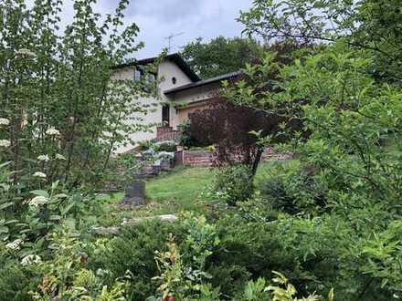 Schönes Haus mit 10 - Zimmern plus 2 Küchen in Miltenberg (Kreis), Dorfprozelten