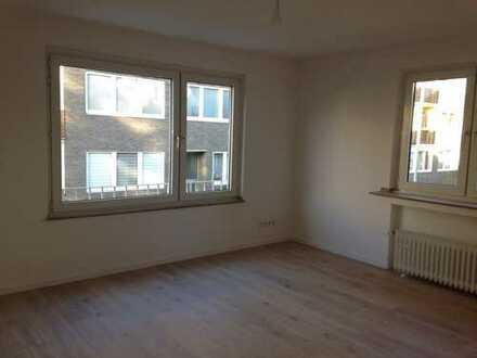 Erstbezug nach Sanierung!! 3-Zimmer-Wohnung mit Balkon in ruhiger Seitenstraße