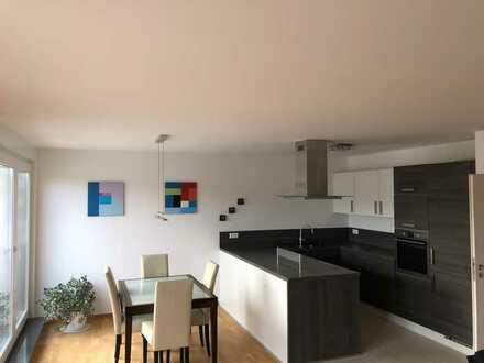 Exklusive, neuwertige 3-Zimmer-Penthouse-Wohnung mit Balkon und Einbauküche in Offenbach am Main