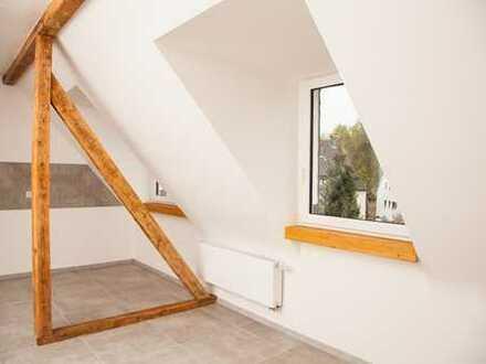 Handwerk trifft Geschmack ! Top sanierte Dachgeschosswohnung in Wattenscheid! (Reserviert)