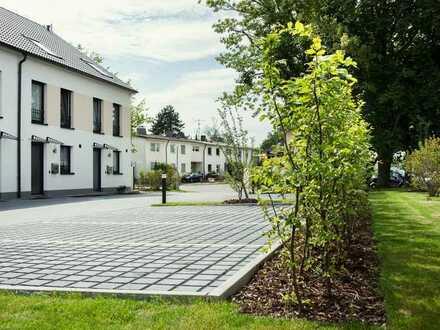modernes Reihenhaus mit Garten im Wohnpark Köln- Höhenhaus
