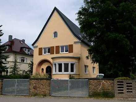 Charmante Villa in bester Wohnlage am Stadtrand
