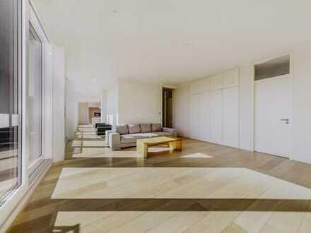 Penthouse mit Dachterrasse, Tiefgarage, Sauna, Blick auf den Alex, Klima, Luxus Einbauküche, Kamin